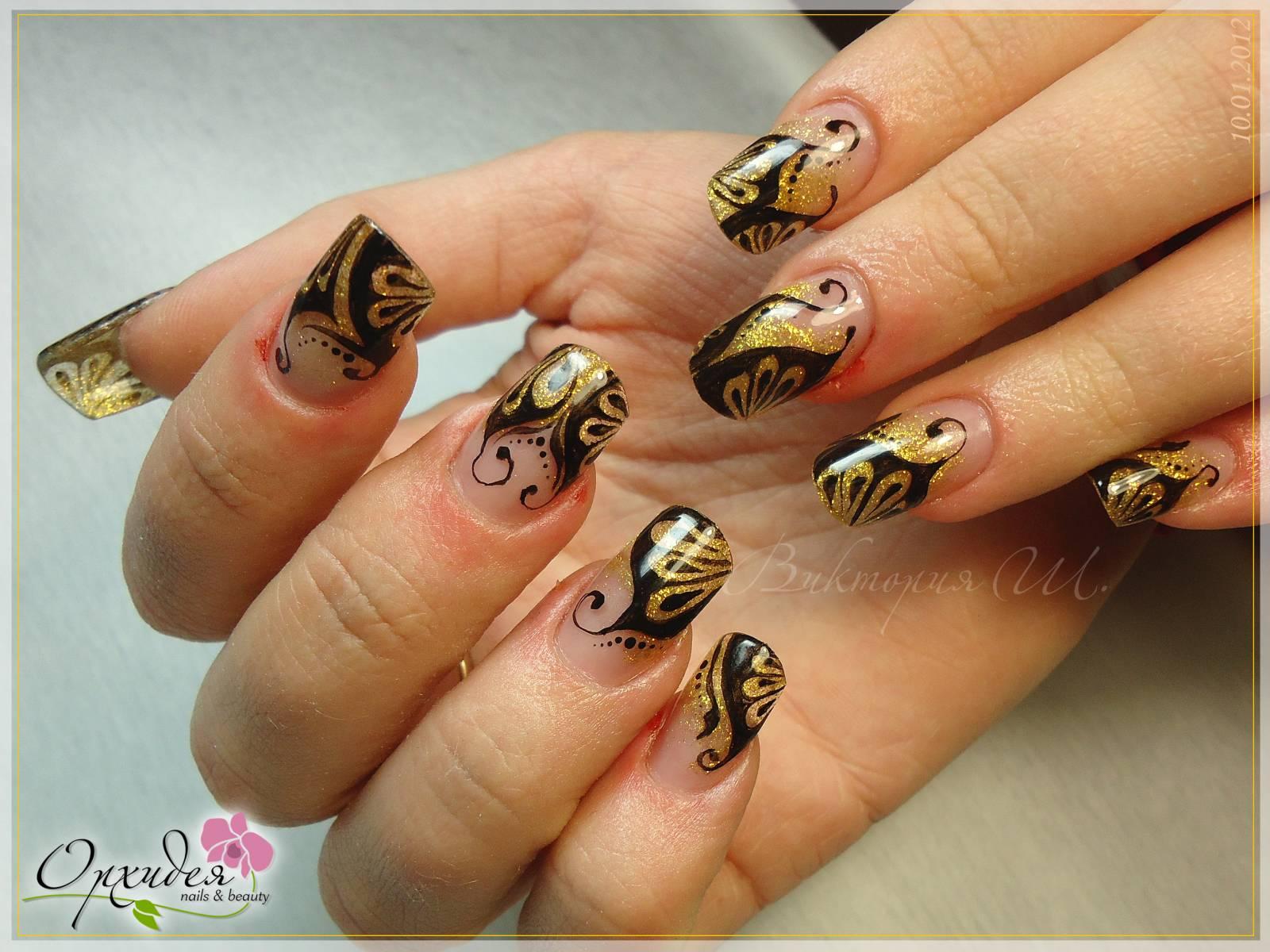 фото ногти дизайн на золотом